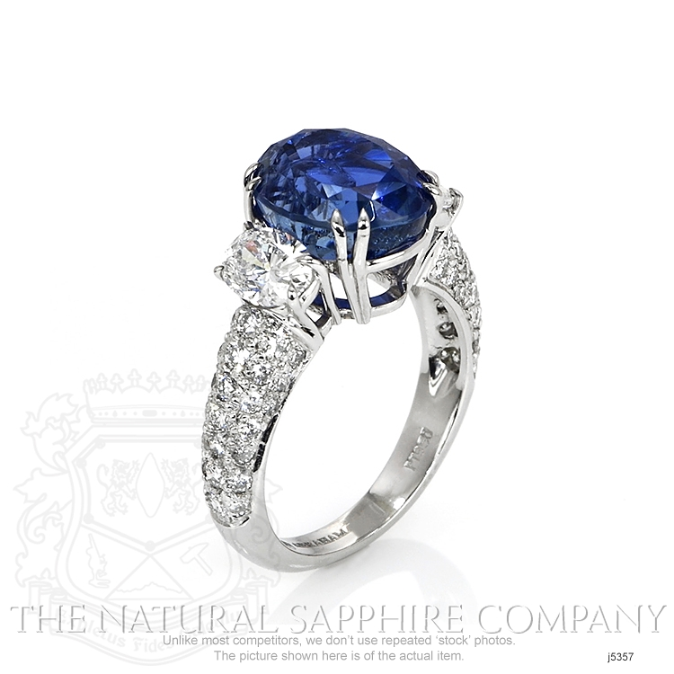 6.78ct Blue Sapphire Ring Image 2