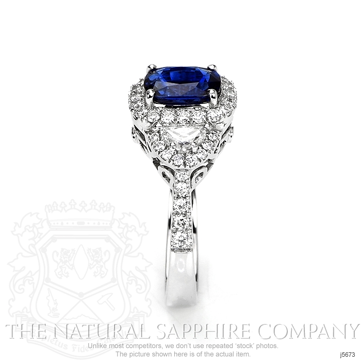 2.05ct Blue Sapphire Ring Image 3