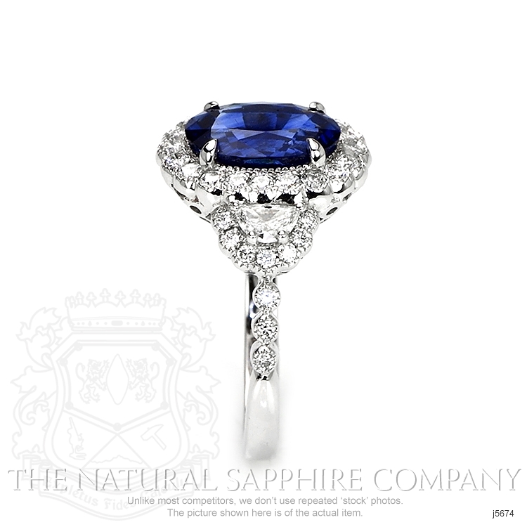 3.28ct Blue Sapphire Ring Image 3