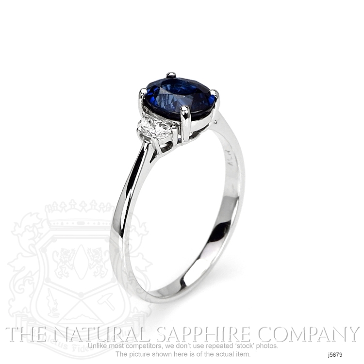 1.67ct Blue Sapphire Ring Image 2