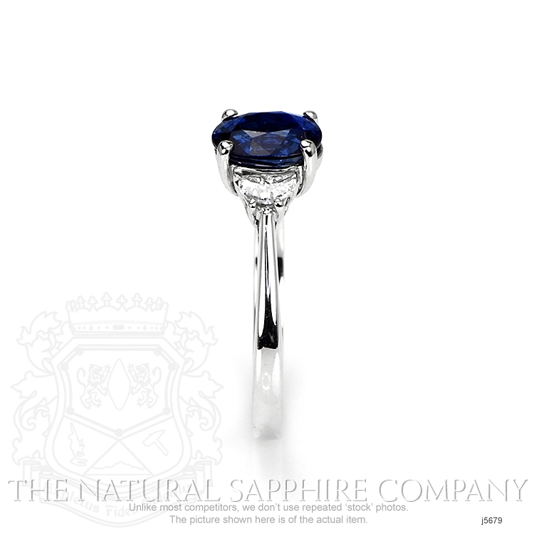 1.67ct Blue Sapphire Ring Image 3