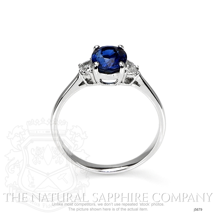 1.67ct Blue Sapphire Ring Image 4