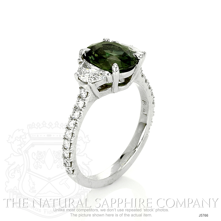 2.58ct Yellowish Green Sapphire Ring Image 2