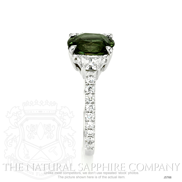 2.58ct Yellowish Green Sapphire Ring Image 3