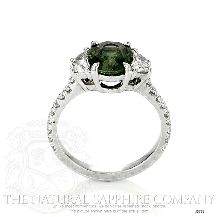 2.58ct Yellowish Green Sapphire Ring Image 4