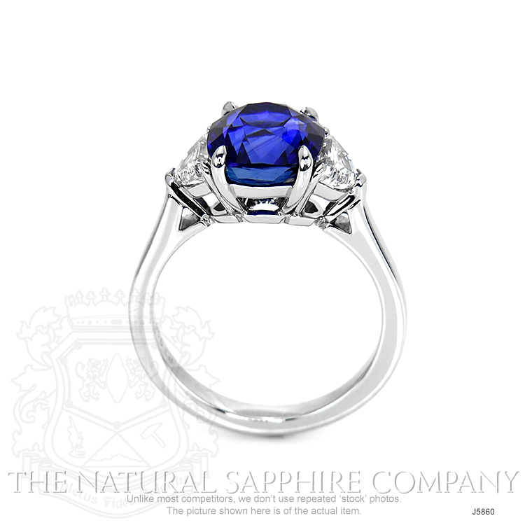 4.50ct Blue Sapphire Ring Image 4