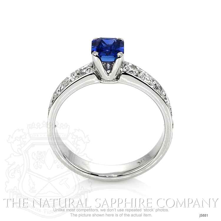0.94ct Blue Sapphire Ring Image 4