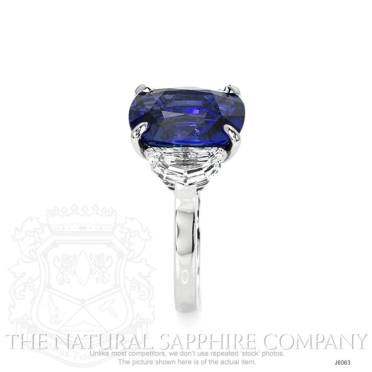 8.45ct Blue Sapphire Ring Image 3