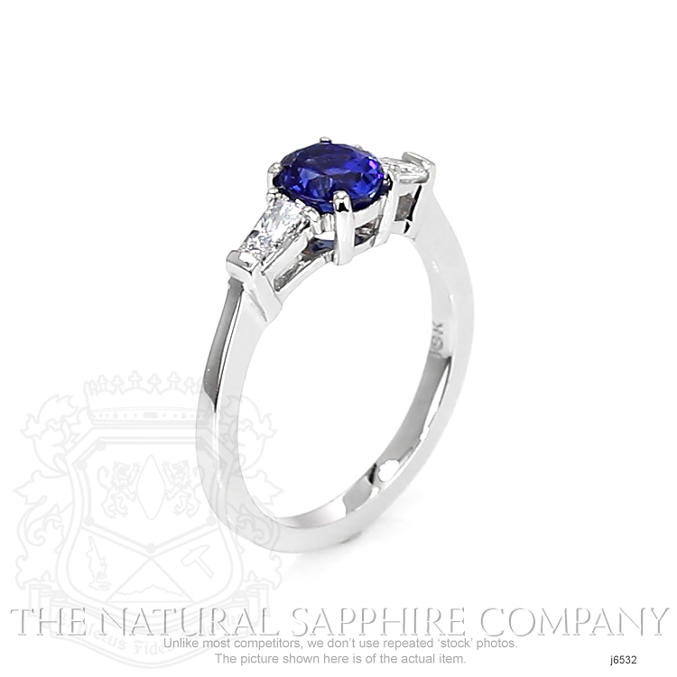 1.04ct Blue Sapphire Ring Image 2