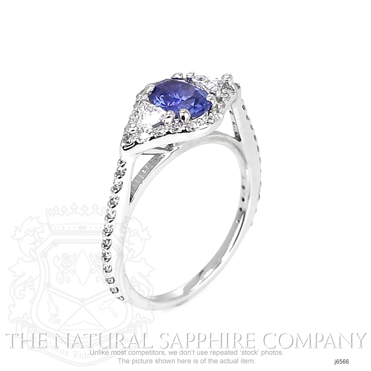 1.07ct Blue Sapphire Ring Image 2