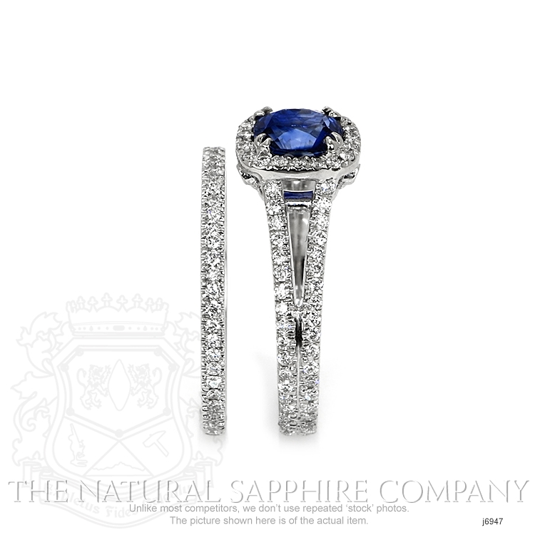 0.99ct Blue Sapphire Ring Image 3
