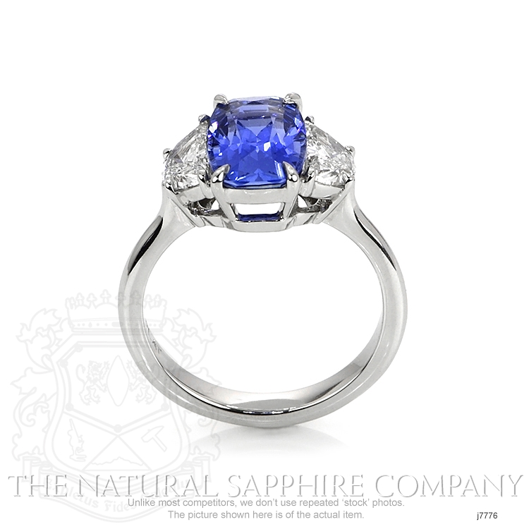 3.71ct Blue Sapphire Ring Image 4