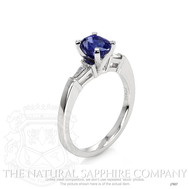 1.35ct Blue Sapphire Ring Image 2